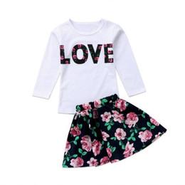 Mädchen kleidet größe 7t online-2018 Marke Kind Mädchen Kleidung Set Kleinkind Baby Kinder Mädchen Kleidung Tops T-Shirt + Floral Rock Outfits Set Größe 3-7 T