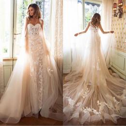 vestidos de capa Rebajas 2019 impresionantes vestidos de novia de Milla Nova Nee sirena Vestido De Novia con Cape Cloak Vintage Lace Boho vestidos de novia de encargo