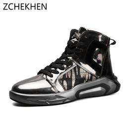 2018 Hip hop Moda gz martin botas Hombres Zapatillas altas superior Suave  Cómodo Zapatos casuales de los hombres Calzado masculino street dance top  del alto ... 76dbb33f392