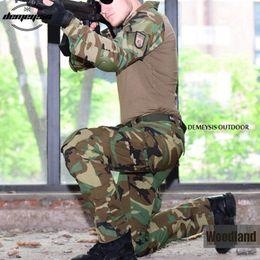 Cojines de codo tácticos online-Traje de combate táctico de uniforme de ejército de camuflaje de bosque Camisa de vestir de traje de guerra + pantalones Cojines de rodilla de codo