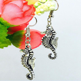 Wholesale Jewelry Fashion United State - New Europe United States Popular Hot Antique Silver Seahorse Charm Pendant Earring Fashion Creative Women Jewelry Accessories Holiday Gift