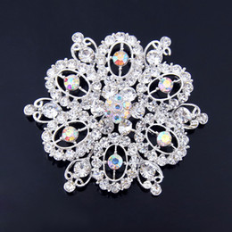 Wholesale Sparkly Brooches - Sparkly Clear CZ Zircon Crystal Rhinestone And Pearl Floral Gold Tone Wedding Bridal Brooch Special Gift Collar Pins For Girls
