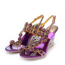Argentina Más el tamaño 44 Sandalias de verano 2018 zapatos de tacón de cuña de diamantes de imitación de lujo de Corea STY zapatos de tacón alto de cristal del banquete de boda Suministro
