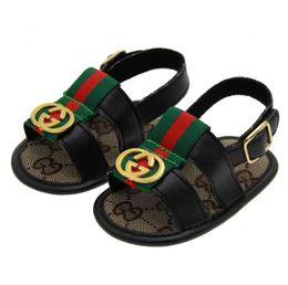 кожаные сандалии для девочки-малыша Скидка NEW Baby Boys Девушки Сандалии Малыша Slip-On Shoes Летние Детские PU Кожаные Сандалии 0-18Месяцев