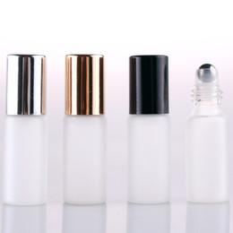 2019 cajas de lápiz labial negro al por mayor NUEVO Rollo de vidrio blanco esmerilado de 5 ml en botella con bola de rodillo de metal Frascos de perfume de vidrio Botella de aceite esencial, tapa negra / dorada / plateada