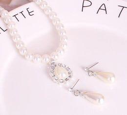 2019 gioielli di perle squisiti hot nuovi gioielli set moda collana di perle orecchini e orecchini set gioielli 2 pezzi moda classica eleganza squisita sconti gioielli di perle squisiti