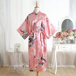 2019 rosa nachthemden Vintage Rosa Frauen Lange Satin Robe Kimono Kleid Brautjungfer Hochzeit Sexy Nachthemd Neuheit Print Bad Nachtwäsche Plus Größe rabatt rosa nachthemden