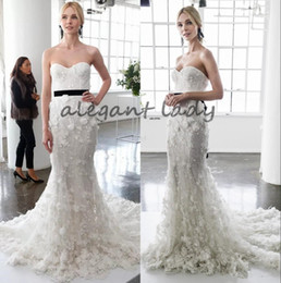 strapless feathers wedding gowns Coupons - Marchesa 2018 Sexy 3D Floral Applique Mermaid Wedding Dresses with Feather Strapless Sweep Train Fishtail Slim Garden Holiday Wedding Gowns