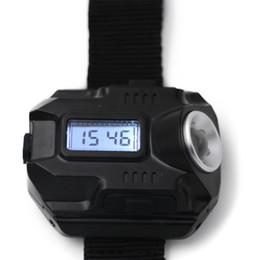 Relogios táticos on-line-À prova d 'água Levou Tactical Display Recarregável Relógio de Pulso Da Lâmpada Lanterna Multi Ferramentas de Luz Ao Ar Livre Para Acampamento Ao Ar Livre Caça 32jy gg