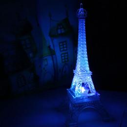 New Romantic Tour Eiffel Night Light Paris Style Décoration Couleur Changeante LED Lampe Chambre Acrylique Lumière ? partir de fabricateur
