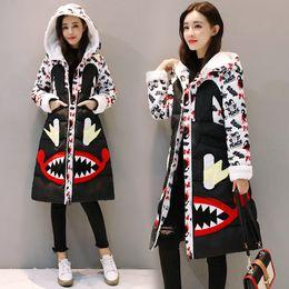 2018 Nuove donne Winter Army Green Jacket Cappotti Parka spessi Plus Size Big Real Raccoon Fur Collar Hooded Outwear piumino moda cappotto da giallo trapuntato fornitori