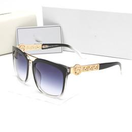 Оптовые прозрачные солнцезащитные очки для мужчин онлайн-Оптовая летний стиль Италия Марка medusa солнцезащитные очки Женщины мужчины бренд дизайнер УФ-защита солнцезащитные очки прозрачные линзы и покрытие линзы солнцезащитные очки