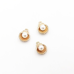 Shell-charme entdeckungen online-40 teile / los 2018 Hot Nautical Ocean Alloy Metal Nette Shell Charms Gold Überzogene Perle Shell Anhänger für DIY Ohrring Armband Schmuck Erkenntnisse
