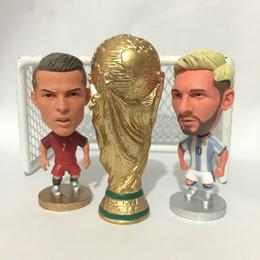 Kodoto Soccer Trophy Coppa terra con Messi Ronaldo altezza 8 cm colore dorato supplier soccer trophy cup da tazza del trofeo di calcio fornitori