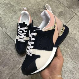 Wholesale Pink Ocean - 2018 NEW Luxury brand leather casual shoes Women and men Fashion Racing Runners men shoes genuine leather fashion Mixed color original box
