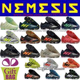 Zapatos de fútbol de cuero para hombre baratos Botas Nemeziz 17.1 FG Messi Botas de fútbol Botines de fútbol para exteriores Negro Azul Blanco Naranja Rojo Verde 39-46 desde fabricantes