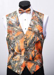 2018 nueva llegada Airtailors moda camo chaleco para la boda rústica Mens camuflaje vestido chaleco más tamaño color naranja desde fabricantes