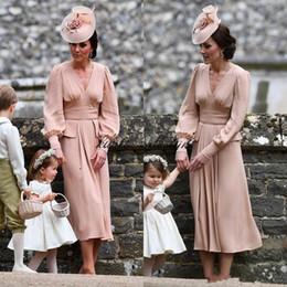 Kate Middleton Simple Mousseline De Soie Mère De La Robe De Mariée Manches Longues Thé Longueur Robe De Mariée De Mariage Vintage Col V Dusty Rose ? partir de fabricateur