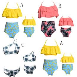 Mãe, filha, swimsuits on-line-Família Roupas Combinando impressão mulheres roupas de banho swimwear 2018 Mãe e filha Maiô Pai-filho Biquinis 2 pçs / set C3737