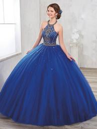 top bleu 15 robes Promotion Custom Made Or Perlé Halter Cou Quinceanera Robes À Lacets Dos À Long Sol Tulle Doux 16 Robes De Soirée De Bal