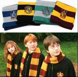 Bufanda de harry potter slytherin online-4 colores Bufanda de Harry Potter Gryffindor Slytherin Bufandas de invierno con insignia Gryffindor Harry Potter Hufflepuff Bufandas de cosplay KKA2745