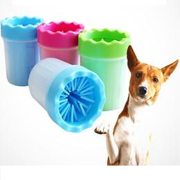 ems cup Rabatt 3 Farben Kunststoff Haustier Pfote Reiniger Tragbare Hund Waschmaschine Schmutzige Katze Fuß Reinigungsbürste Tasse Hundesalon Werkzeuge Freies EMS STY7-427