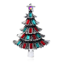 Yeni Moda Renkli Rhiestone Noel Ağacı Kadınlar Kız Hediyeler Için Broşlar 4 Renkler Mix Noel Pin Broş Kumaş Aksesuar KQ nereden