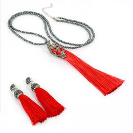 2019 collares largos rojos para las mujeres Bohemia boho borla de seda roja con tachuelas pendiente superior y cadena de cuentas de hematita borla larga collar colgante conjunto de joyas para mujeres collares largos rojos para las mujeres baratos
