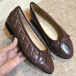 sapatos de diamantes Desconto Sapatos baixos de luxo Diamante Lattice Ballet flats couro Genuíno sapatos femininos sapatos de grife de moda Tamanho 35-40 modelo JS003