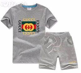 Ropa de otoño niños online-Bebé recién nacido marca de ropa para niños Ropa de niño Conjunto Niños activos Traje deportivo Ropa infantil Niños Otoño Chándal Trajes Abrigo + Pantalones_AAAAA20