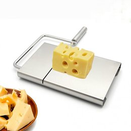 Práctico cuchillo de cocina online-Hot Practical Cheese Slicer Mantequilla de acero inoxidable Cuchillo de corte de la torta Herramienta de cocina Cocina Gadgets Accesorios