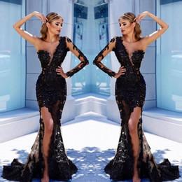 2019 porter des hauts de la cuisse Élégant une épaule noir dentelle robes de soirée 2018 Sexy illusion corsage sirène haute cuisse Split robes de soirée arabe Pageant porter BA9571 porter des hauts de la cuisse pas cher