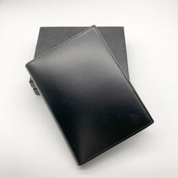 Titular de la tarjeta de visita de cuero negro online-New Selling MB Bright Leather MT Hombres Business M B Black Classic Titular de la tarjeta de crédito Cover Cover Travel Wallet Passport Thin Card Holder
