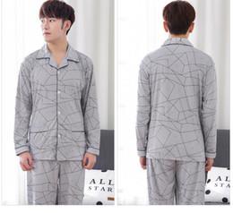 Schlafkragen online-Mode Männer schlafen Tücher Umlegekragen grauen geometrischen Print Mantel Freies Verschiffen für Männer Nachtwäsche
