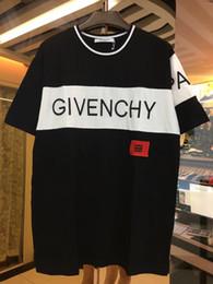 47 k Brand new verão rua desgaste europa Paris moda homens de alta  qualidade quebrado pequeno buraco camiseta de algodão dos homens casuais  Tee giv T-shirt 62a4d92b452