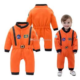 2019 ragazzi di tuta arancione New baby Tutina pagliaccetto cotone neonato Arancione a maniche lunghe Tuta spaziale Salopette per bambini Arrampicata vestiti C2559 ragazzi di tuta arancione economici