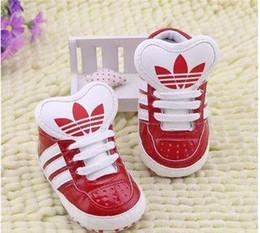 2019 bebê meninos sapatos ano Romirus venda quente bebê mocassins PU Couro criança primeiro caminhante macio solado meninas sapatos Recém-nascido 0-1 anos bebê meninos Sneakers bebê meninos sapatos ano barato