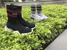 Wholesale Crew Socks Colors - VETEMENTS SS CREW UNISES Sock Trainer Dropping RUNNING Shoes CN3307 Socks Trainer Boots Left Right Unisex Casual Flat Socks Slip-on Boots