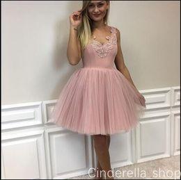 v baile blush blush Desconto Blush Curto Vestido De Baile Vestidos Homecoming 2018 V Neck Backless Apliques de Mini Festa de Formatura Vestidos de Cocktail Vestido Plus Size
