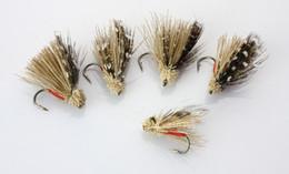 modelos grossistas de lulas Desconto Ao Ar Livre 40Pcs Elk Ala Caddis seco moscas da pesca da truta Fly Lures peixes da atração de alta qualidade frete grátis Acessórios material de pesca com gancho