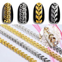 Chaîne d'or de conception de feuille en Ligne-1Pack Or Argent Métal Nail Art Chaînes Feuille Avion Conception 3d Décorations Creux Feuilles Nail Studs Rivet Manucure Accessoires