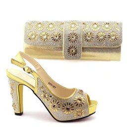 Wholesale gold shoes matching bag - New High Quality Decorated With Rhinestone Shoes And Bag Set Italian Design Matching Shoes And Bag Set African For Wedding Party