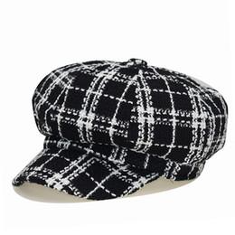 Invierno mujer Newboys Hat Cap Plaid Vintage Painter Octagonal Cap para  mujeres Casual algodón caliente Gorras Planas plana marca tapas mujer  pintora ... 4a2385c9be4