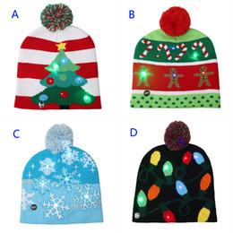 4504b5d8c225f 4 Styles LED Lumière Tricoté De Noël Chapeau Unisexe Adultes Enfants 2018  Nouvel An Lumineux Clignotant Tricot Crochet Chapeau Party Favor B  casquettes de ...