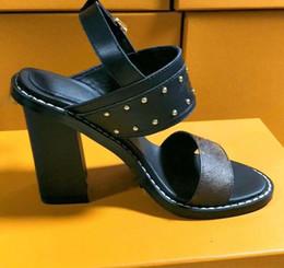 Corea nuevas sandalias online-2018 nueva pendiente con las sandalias de verano versión coreana de la cómoda moda salvaje de diamantes en bruto con tacones de tacón alto35-41