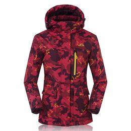 Abrigo de camuflaje impermeable online-2016 -30 Degree térmica de invierno de las mujeres chaqueta de snowboard con capucha impermeable transpirable mujer esquí desgaste abrigos abrigos Camo Print