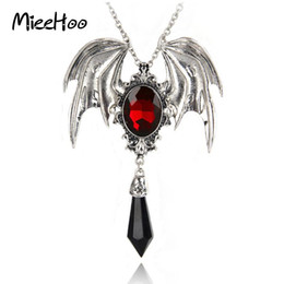 Wholesale Vampire Bats - whole saleMieehoo Hot Sale New Arrival Gothic Halloween Necklace Red Crystal Vampire Vintage Bat Pendant For Men And Women Drop Shipping
