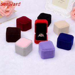 Alta calidad Squre boda pendientes de terciopelo anillo caja de exhibición de la joyería cajas de regalo increíble 2018 nuevo desde fabricantes