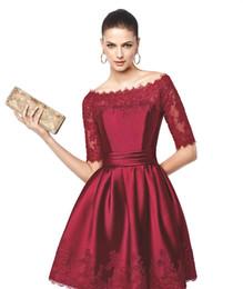 Красота вино совок атласная Половина рукава аппликация колено / короткие коктейльные платья Платья выпускного вечера платья на заказ размер 2-16 ZC712209 от