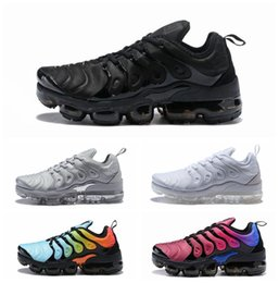 Wholesale Flooring Concrete - New Vapormax TN Plus Running Shoes Classic Outdoor Run Shoes Vapor tn Black White Sport Shock Sneakers Men requin Olive Silver In Metallic